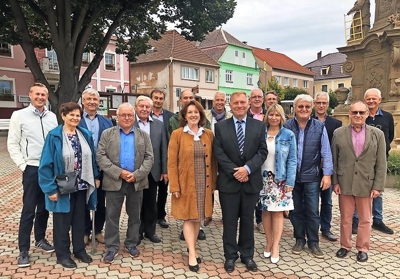 Städtepartnerschaft angebahnt: Hoštka und Elsterwerda haben sich beschnuppert - Lausitzer Rundschau