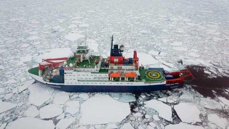 Das Forschungsschiff Polarstern, Bild (c) Stefan Hendricks