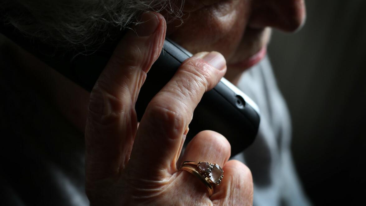 Sprechen Das Telefon Betrug